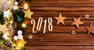 Fundo 2018 do ano novo feliz com decoração do Natal Fotografia de Stock Royalty Free