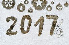 Fundo do ano novo na neve foto de stock royalty free