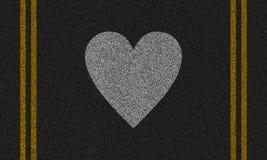 Fundo do asfalto com coração pintado Fotos de Stock Royalty Free