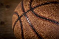 Fundo do basquetebol Bola no campo de jogos Fotografia de Stock