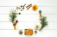 Fundo do branco da grinalda do Natal Fotos de Stock
