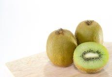 Fundo do branco de Kiwi Fruit Imagens de Stock Royalty Free