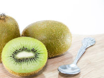 Fundo do branco de Kiwi Fruit Foto de Stock Royalty Free