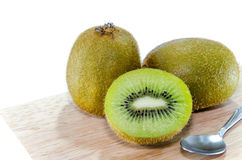 Fundo do branco de Kiwi Fruit Fotos de Stock Royalty Free