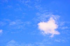 Fundo do céu azul e das nuvens Fotos de Stock