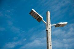 Fundo do céu com projetores Imagens de Stock
