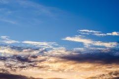 Fundo do céu do por do sol imagens de stock