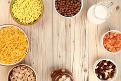 Fundo do café da manhã dos flocos de milho Fotografia de Stock Royalty Free