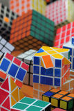 Fundo do cubo de Rubik Fotografia de Stock Royalty Free
