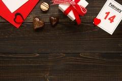 Fundo do dia do ` s do Valentim com espaço da cópia Coração verde estilizado da ilustração do vetor Imagem de Stock