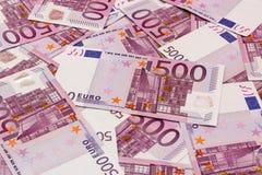 Fundo do dinheiro - cinco cem euro- cédulas das contas Imagens de Stock Royalty Free