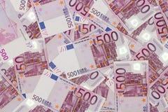 Fundo do dinheiro - cinco cem euro- cédulas das contas Imagem de Stock Royalty Free