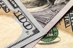 Fundo do dinheiro das notas de dólar dos E.U. cem Foto de Stock Royalty Free