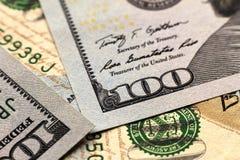 Fundo do dinheiro das notas de dólar dos E.U. cem Fotografia de Stock Royalty Free