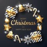 Fundo do Feliz Natal com ouro de brilho e os ornamento brancos ilustração stock