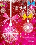 Fundo do Feliz Natal e do ano novo feliz Com ramos do abeto e a neve completa da cor com as decorações no fundo vermelho Imagem de Stock Royalty Free