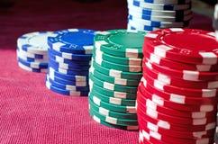 Fundo do fim acima de microplaquetas de pôquer Fotos de Stock