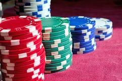Fundo do fim acima de microplaquetas de pôquer Fotografia de Stock Royalty Free