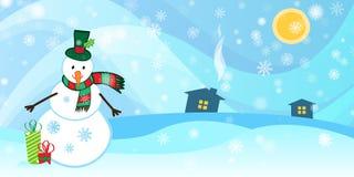 Fundo do inverno com um boneco de neve e uma neve Fotografia de Stock Royalty Free