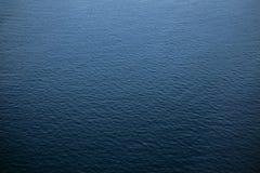 Fundo do mar da água azul Vista de acima foto de stock royalty free