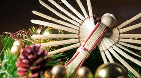 Fundo do Natal do anjo e decoração de madeira da madeira Imagem de Stock Royalty Free