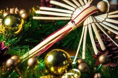 Fundo do Natal do anjo e decoração de madeira da madeira Fotos de Stock