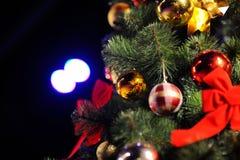 Fundo do Natal com árvore e brinquedos Imagem de Stock Royalty Free