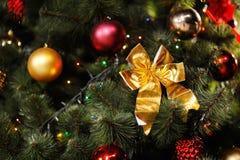 Fundo do Natal com árvore e brinquedos Imagens de Stock