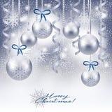 Fundo do Natal com as quinquilharias na prata Imagens de Stock Royalty Free