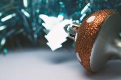 Fundo do Natal com decorações da árvore Imagem de Stock
