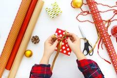Fundo do Natal com decorações e caixas de presente no branco Imagem de Stock Royalty Free