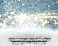 Fundo do Natal com neve e madeira imagens de stock