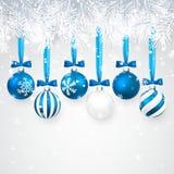 Fundo do Natal e do ano novo com as bolas do Natal, ramo do abeto e neve azuis para o projeto do xmas Ilustração do vetor ilustração royalty free