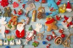 Fundo do Natal e do ano novo com decorações imagens de stock