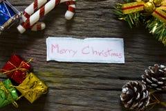 Fundo do Natal O Natal apresenta em umas caixas do ouro fotos de stock