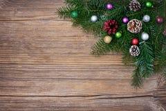 Fundo do Natal Ramo de árvore do abeto do Natal com decoração Copie o espaço, vista superior Imagem de Stock Royalty Free