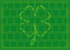 Fundo do Shamrock com quatro formas do shamrock da folha Fotos de Stock Royalty Free