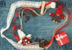 Fundo do Valentim, cartão com pares loving de confecção de malhas, Imagem de Stock Royalty Free