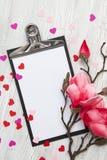 Fundo do Valentim com corações e flores Imagens de Stock
