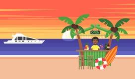 Fundo do verão - praia do por do sol Férias no oceano O sol que vai para baixo sobre o horizonte é por do sol Homem africano Sea Fotos de Stock