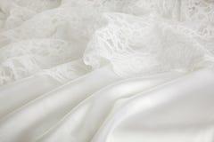 Fundo do vestido da seda e de casamento do laço foto de stock royalty free