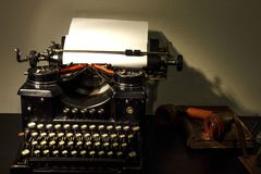 Fundo do vintage Máquina de escrever velha fotos de stock royalty free