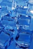 Fundo dos cubos de gelo Foto de Stock Royalty Free