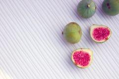 Fundo dos frutos frescos com figos Fotos de Stock Royalty Free