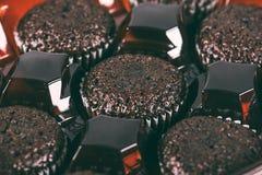 Fundo dos queques do chocolate Imagens de Stock Royalty Free