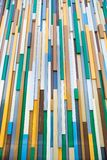 Fundo dos retângulos plásticos coloridos arranjados verticalmente na perspectiva fotografia de stock