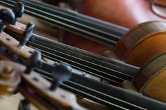 Fundo dos violinos Fotografia de Stock