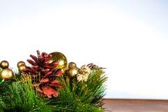 Fundo e decorações do Natal na madeira Fotografia de Stock Royalty Free