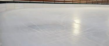Fundo e textura da superfície do assoalho da pista de gelo no tempo de inverno, fotos de stock royalty free
