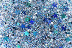 Fundo efervescente congelado azul e de prata do brilho das estrelas do inverno da neve Feriado, Natal, textura do sumário do ano  Foto de Stock Royalty Free